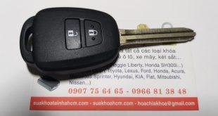 Sửa khóa làm chìa khóa remote toyota