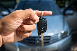 mở cửa xe hơi giá rẻ khu vực bình chánh lh 0966813848