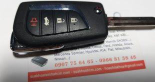 làm chìa khóa xe toyota camry lh 0966813848