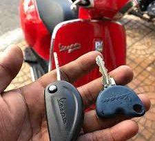 làm chìa khóa xe piaggio giá rẻ lh 0966813848